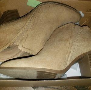 Tan Bootie boots sz 10